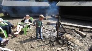 Magnus passer bålet